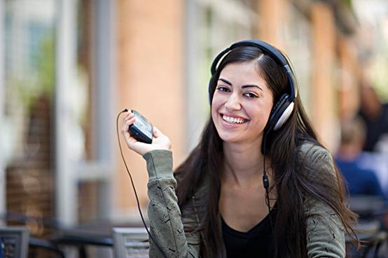 耳机也要超酷超有型